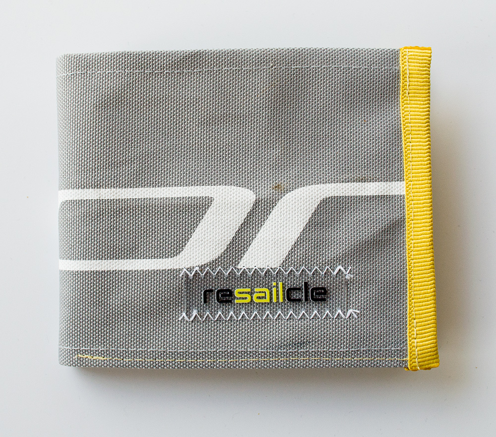 ReSailCle - North specs wallet